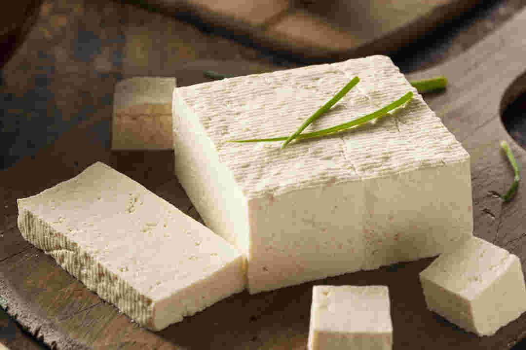 Đậu hủ trắng được làm từ hạt đậu nành