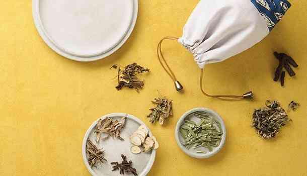 Công thức thảo dược để ngâm chân và làm túi thơm (giúp tăng sức đề kháng)