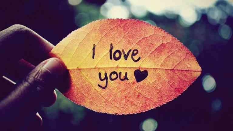 Bạn có phải đang quá lụy tình? Yêu một người thì nên như thế nào?