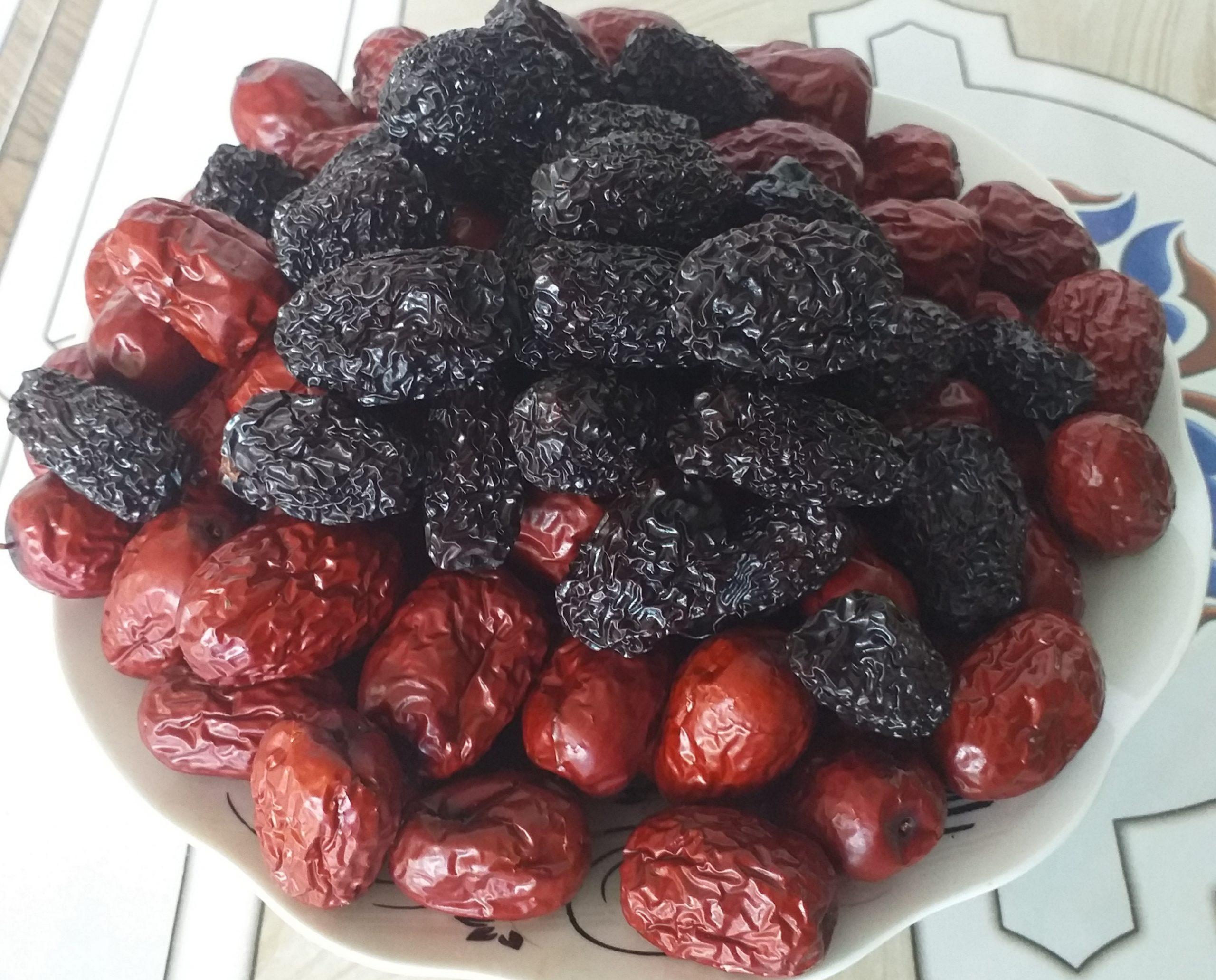 Táo đỏ táo đen - nguyên liệu nấu sâm bổ lượng