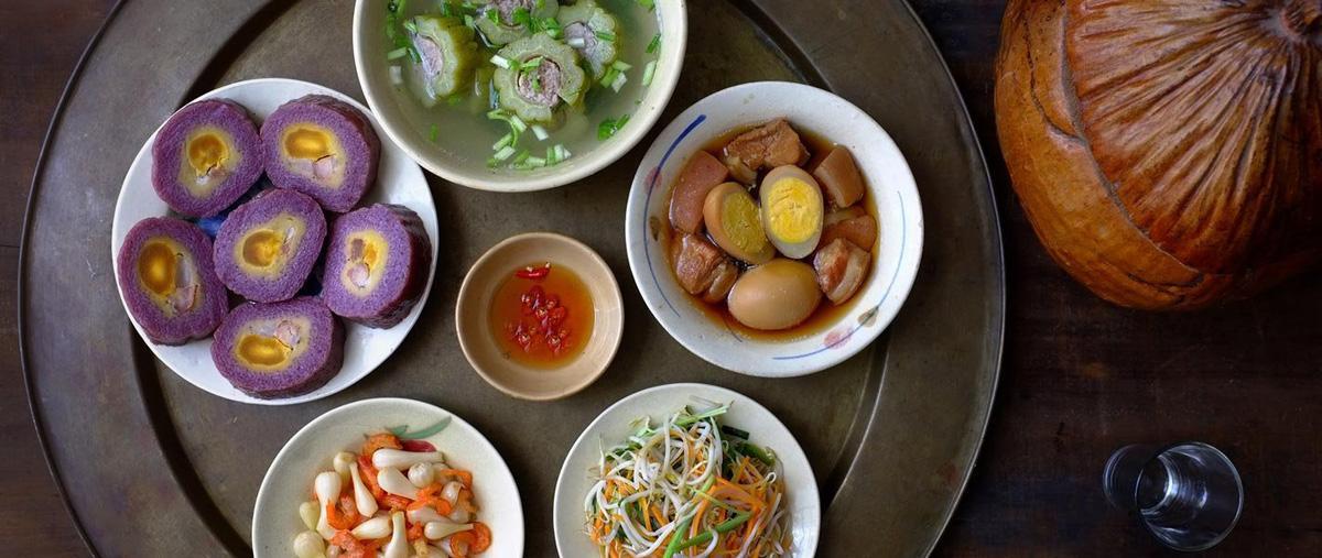 Bữa ăn ngày Tết Việt Nam