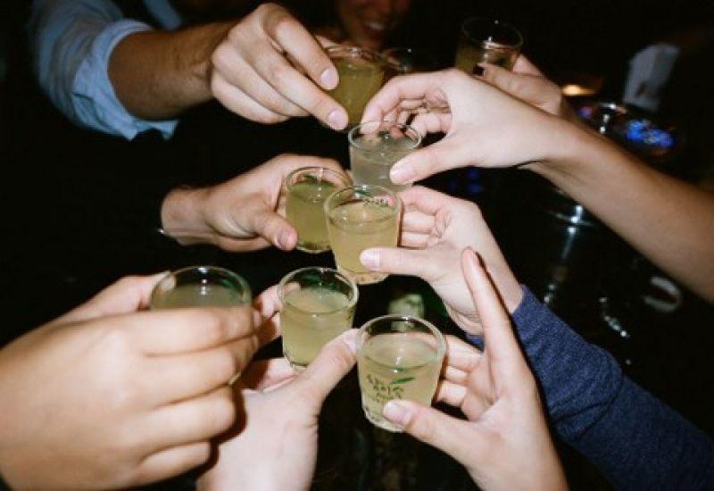 Uống rượu
