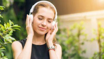 Nghe nhạc